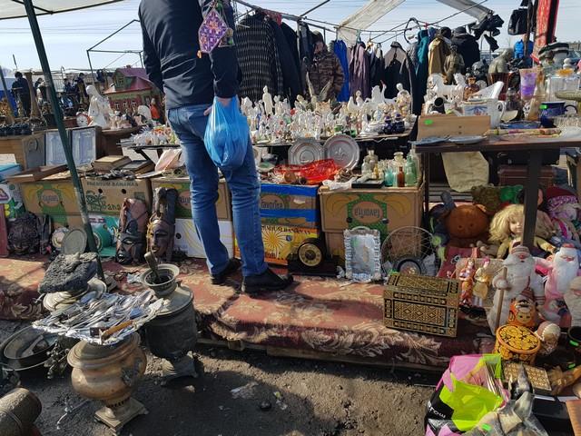 "Сокровища в грязи - рынок ""ЛЕВША"""